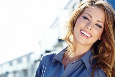 Dentist in Dunwoody GA   5 Way Dental Veneers Can Improve Your Smile